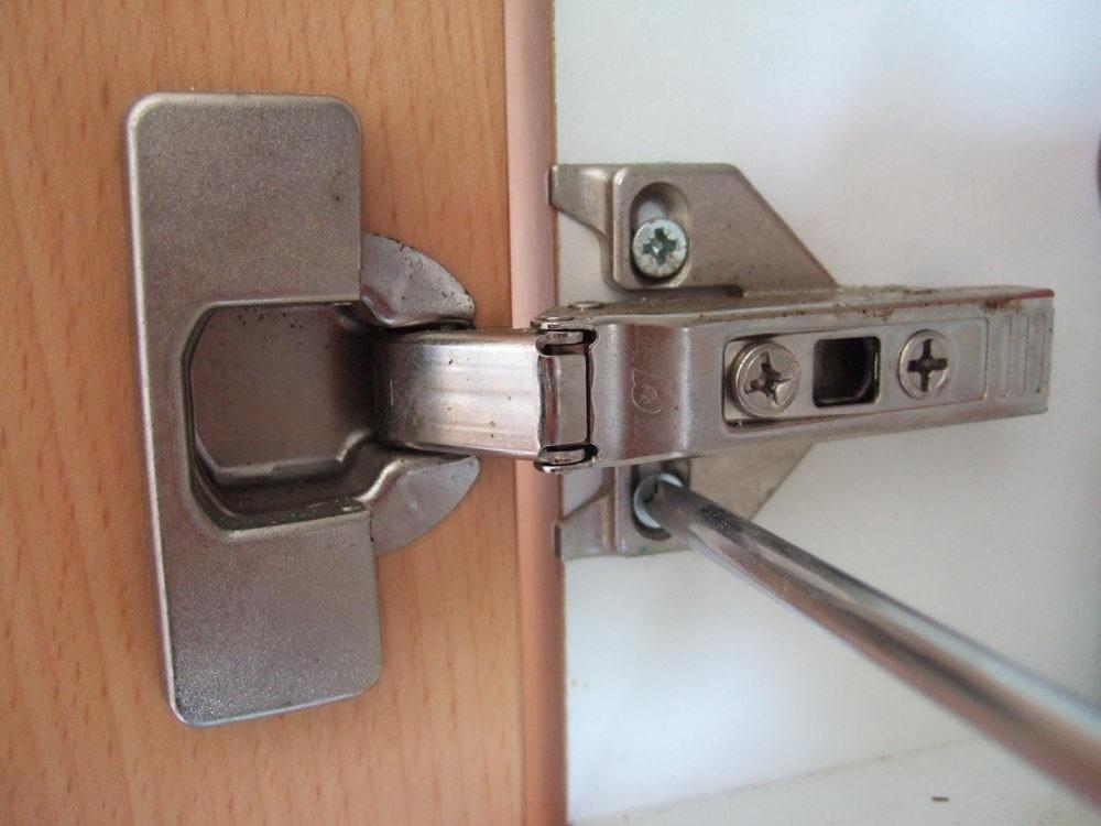 ... Regler Une Porte Avec Charnière Invisible 12